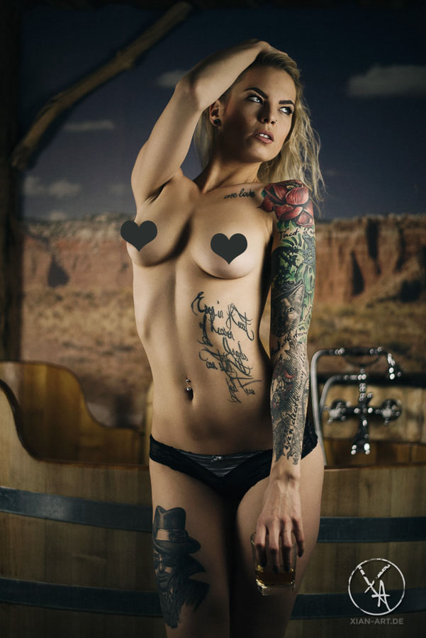 erotik models mit tattoos